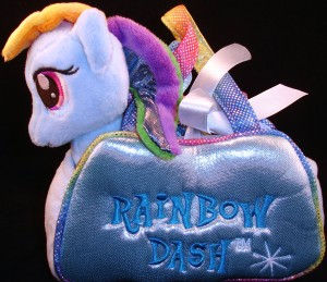 Fancy Pals carrier with 6.5 inch plush Rainbow Dash