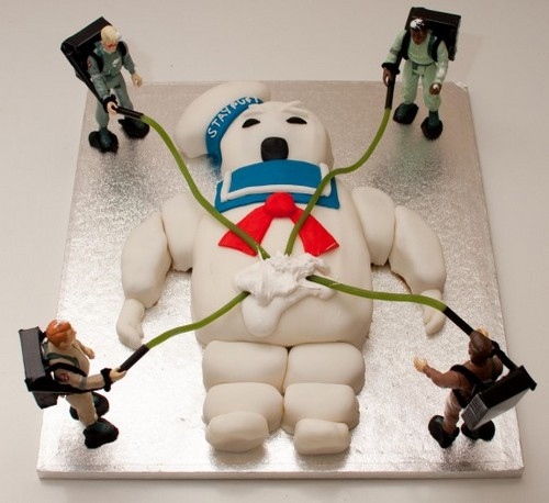 Stay Puft Marshmallow man Ghostbusters cake  (via Ghostbusters…